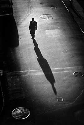 čovek iz senke